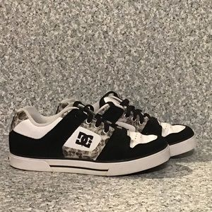 DC Woman's black & white Skateboarder Sneaker